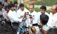 MD  ED at Press Meet  Vanabhojanaalu.jpg